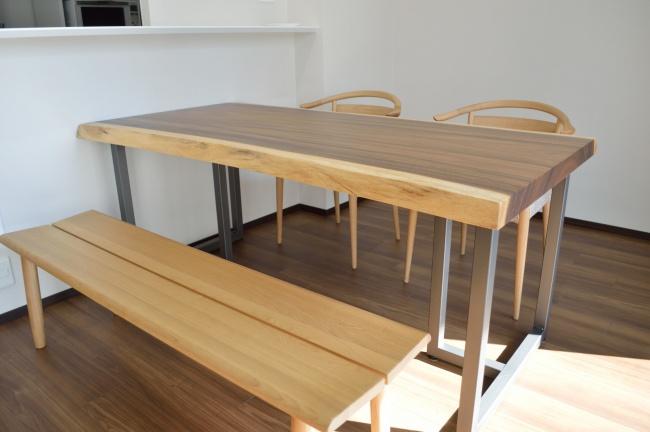 モンキーポッド一枚板テーブル 神戸納品