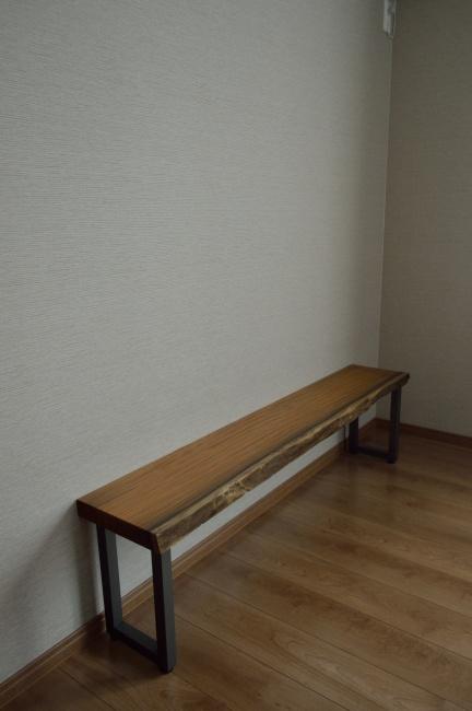 一枚板と鉄脚のテレビボード