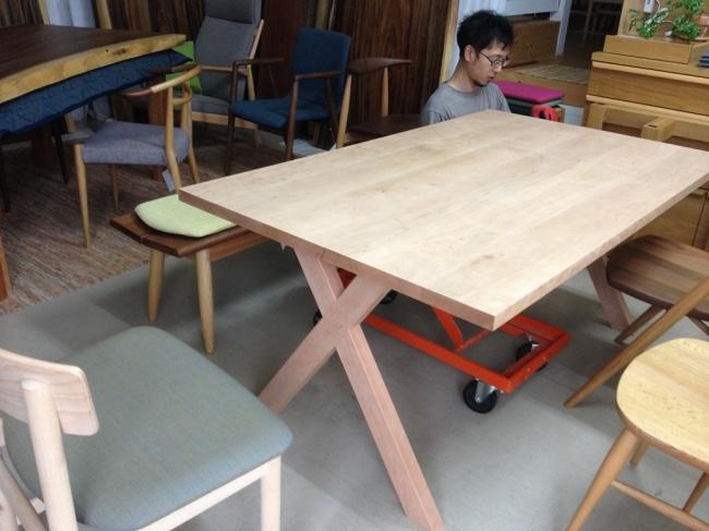 オーダーメイドテーブル製作風景