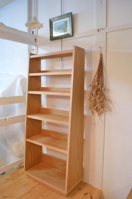 オーク材の本棚