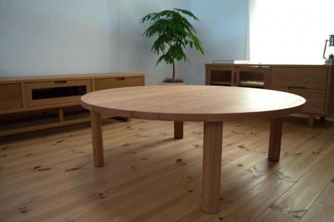 ブラックチェリー無垢材の円卓座卓