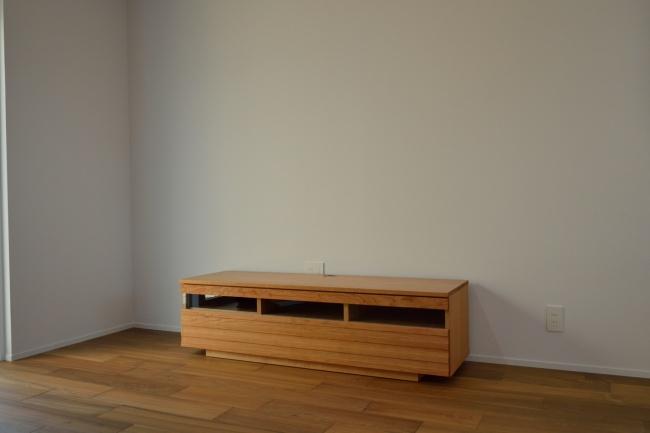 ブラックチェリー材テレビボード
