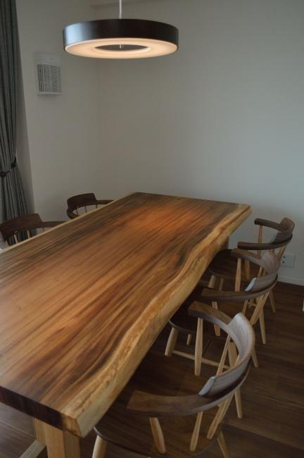 モンキーポッド一枚板ダイニングテーブルセット