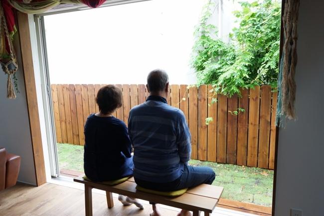 オーク無垢材のベンチ