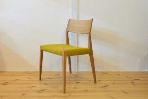 ニッシン木工のDCC-096 布座の椅子