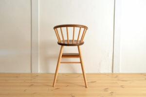 美しい子ども椅子