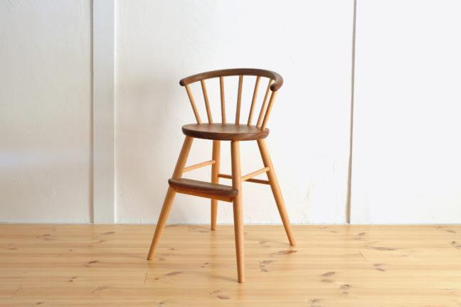 高山ウッドワークスの子ども椅子