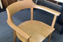 椅子の再塗装修理