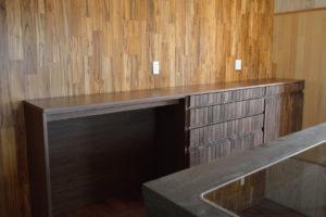 ウォールナット食器棚