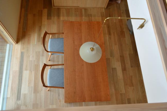 ブラックチェリー無垢材のダイニングテーブルセット