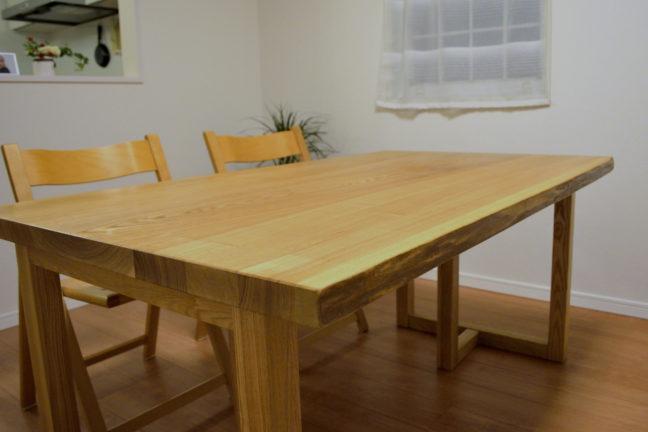 タモ無垢材耳つきテーブル