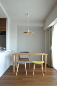 タモ無垢材ダイニングテーブル