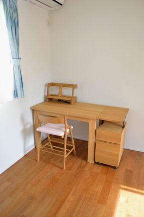 オーク無垢材の学習机