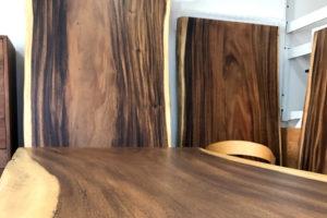 モンキーポッド一枚板のテーブル