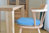 ミナペルホネンのタンバリン生地張りの椅子
