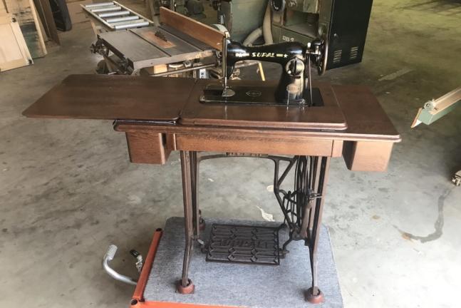 ミシン台の修理