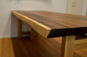 モンキーポッド一枚板ダイニングテーブル