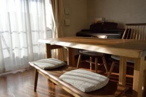 モンキーポッド一枚板テーブルと椅子