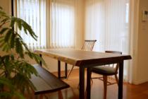 モンキーポッド一枚板テーブルと椅子とベンチ
