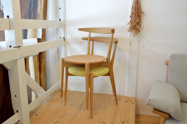 日進木工の椅子スタッキング