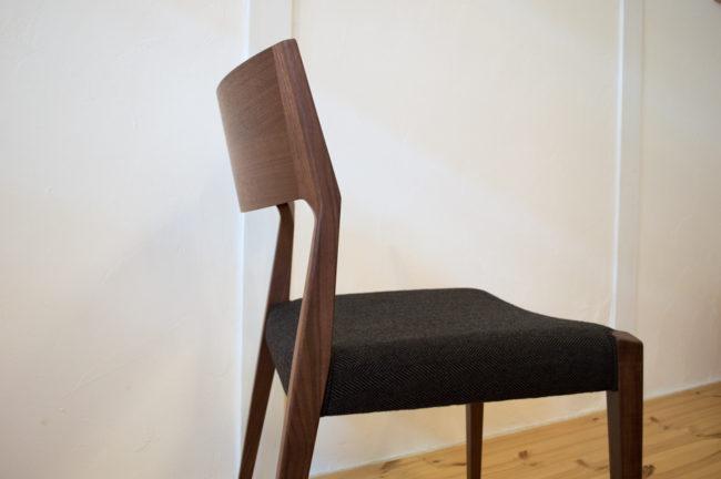 日進木工の椅子