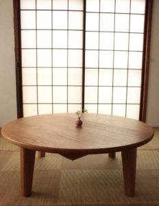 オーク無垢材の円卓