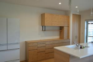 吊戸棚の食器棚
