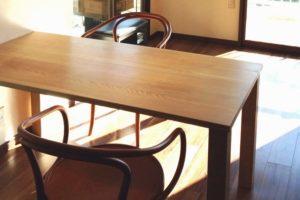 オーダーメイド無垢材のダイニングテーブル