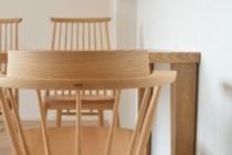 タモ無垢材ダイニングテーブルと椅子