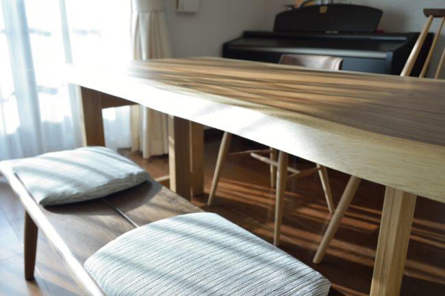 モンキーポッド一枚板テーブルとベンチ