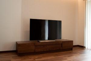 ウォールナット無垢材テレビボード