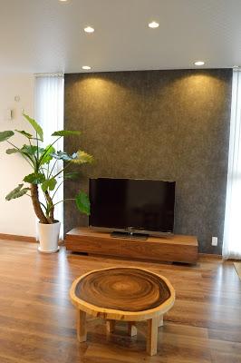 ウォールナット材テレビボード、シンプル美を極める。