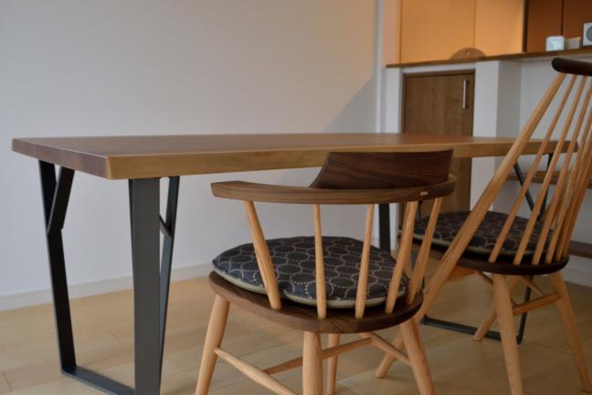 オリジナル鉄脚ウォールナットダイニングテーブル